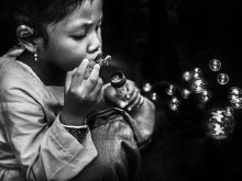 Playing With Bubbles by Yoga Raharja