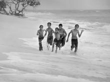 Bocah Pantai by Yoga Raharja